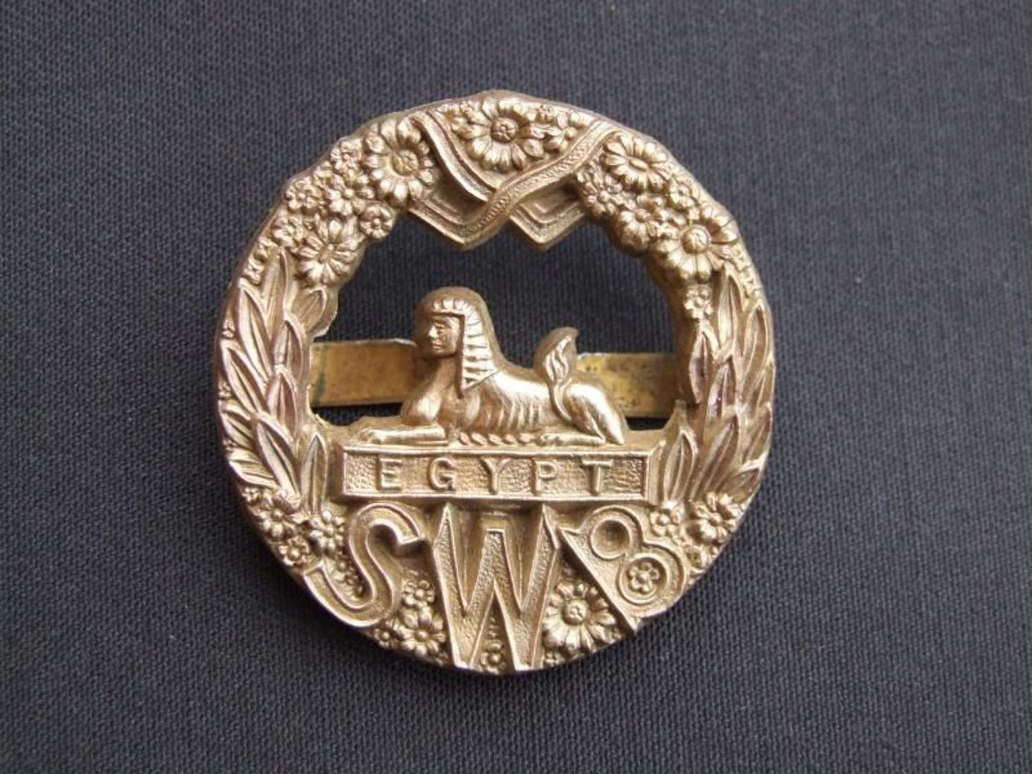 Wartime Plastic Economy Badge - South Wales Borders