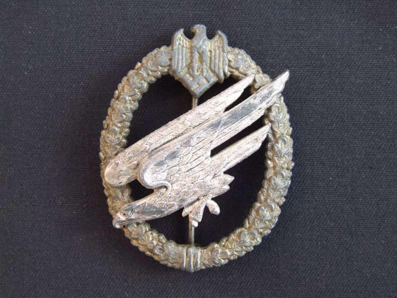 Wehrmacht (Army) Parachutist Badge by FLL Type B. The Brandenburgs