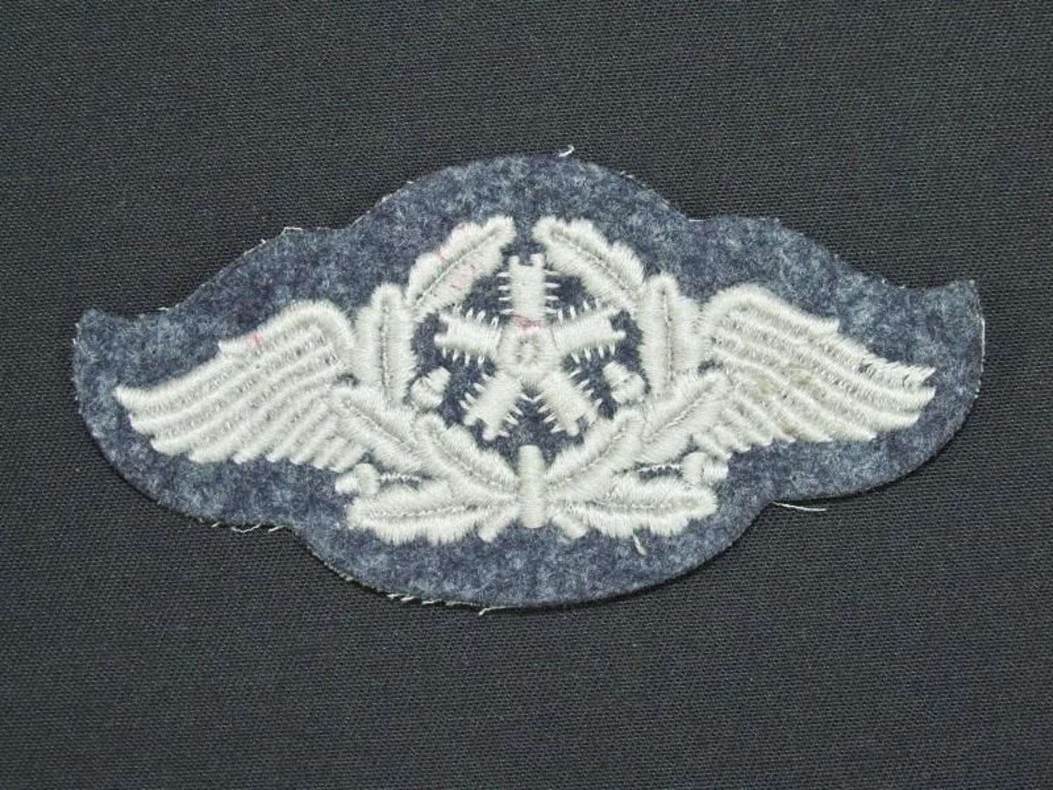 Luftwaffe Specialty Badge for Flying Technical Personnel.