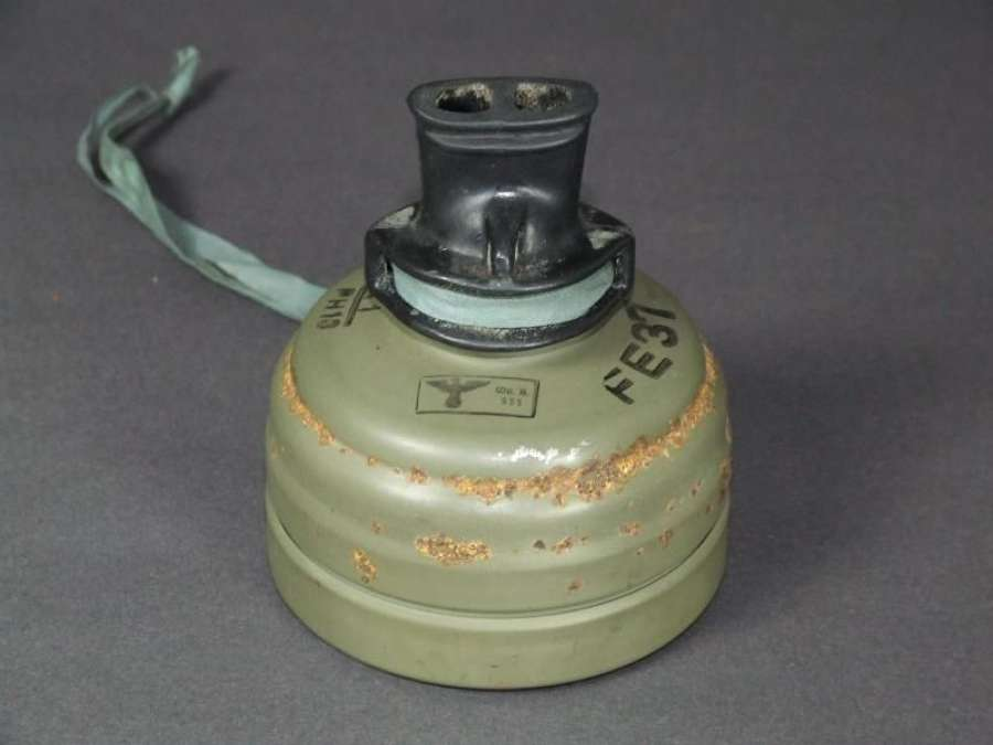 Kriegsmarine / Late War Mouthpiece Gas Mask