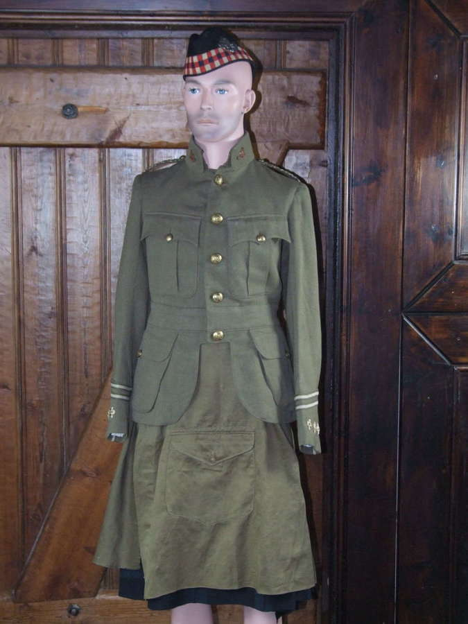 WW1 Uniform Collection Captain In the 5th Royal Highlanders Canada