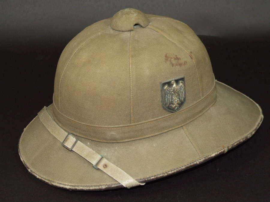 Heer Tropenhelm (Pith Helmet) First pattern